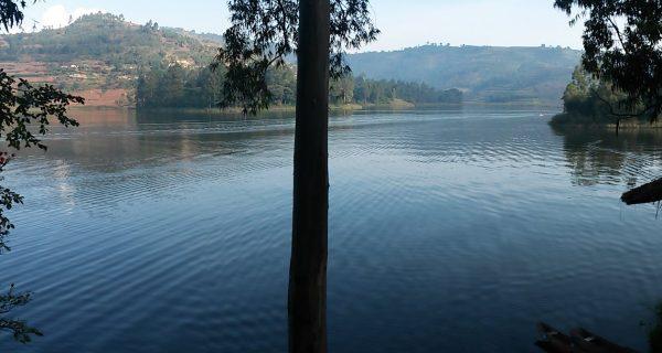 Lake Bunyonyi Uganda Safari